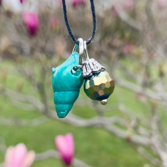 🦋🌷 Lake Huron Painted Seashell Necklace